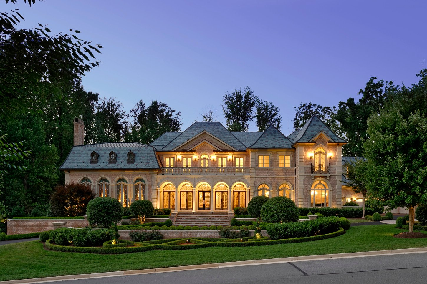 This 12 5 Million Mclean Mansion Has A Ballroom And An