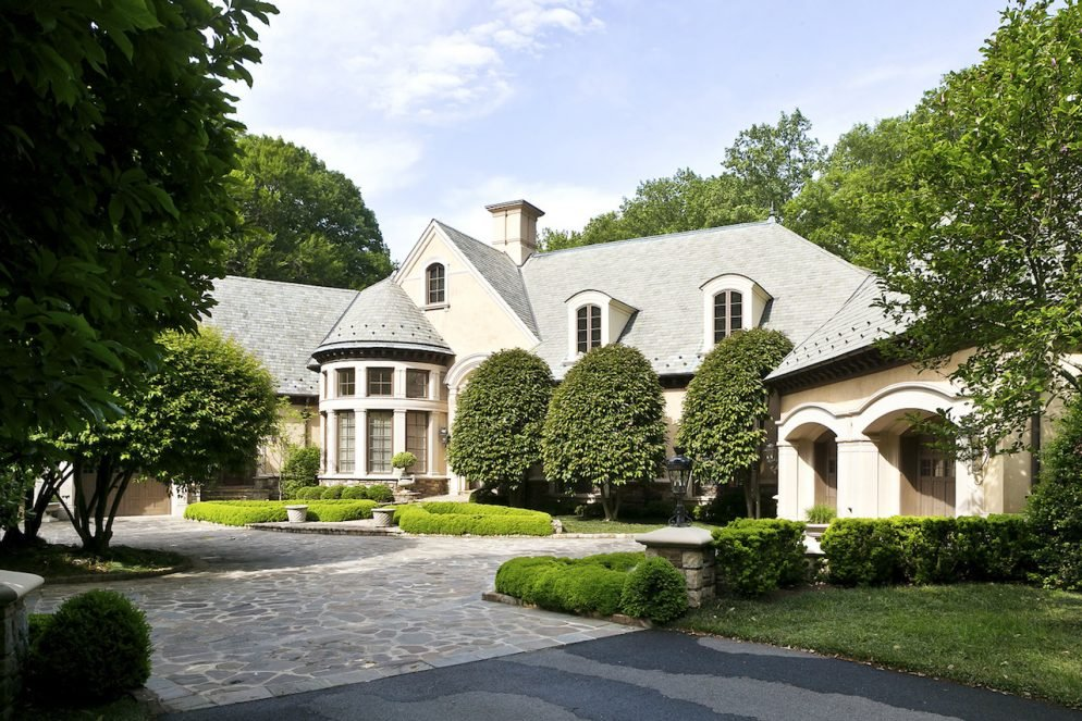 See Inside This .995 Million Mansion in Bethesda