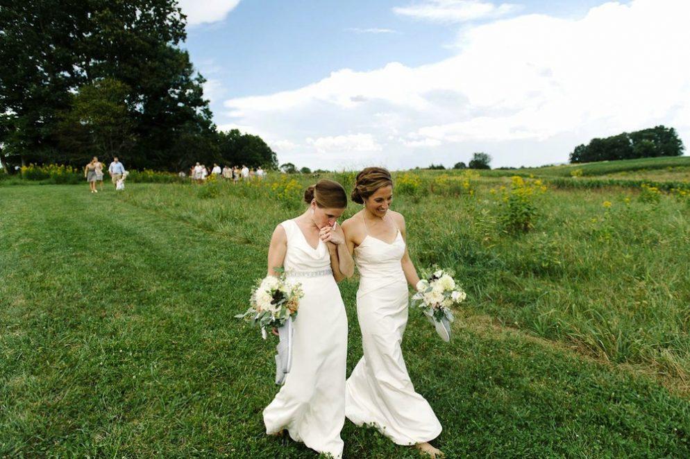 Rustic Barn Wedding in Virginia