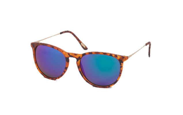 f576619b157 These chunky round-eye TOMS sunnies make a statement