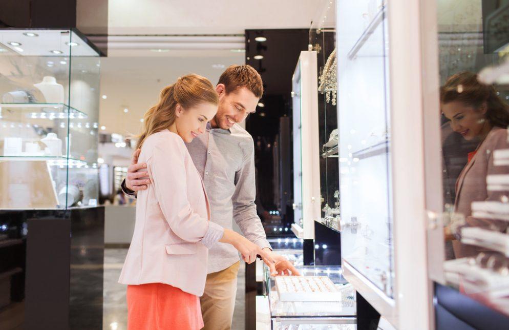 Expert Advice: Shopping for Engagement Rings Online vs. In Store