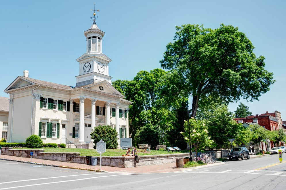Neighborhood Guide: Shepherdstown