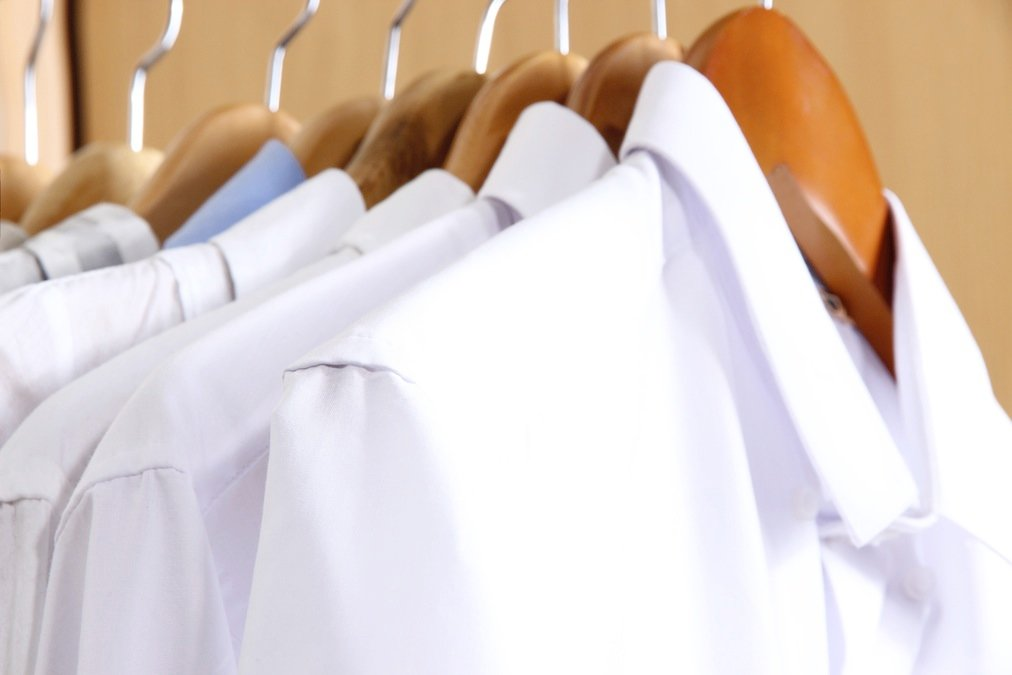 How to remove armpit stains from your white shirts for Remove sweat stains from white shirt