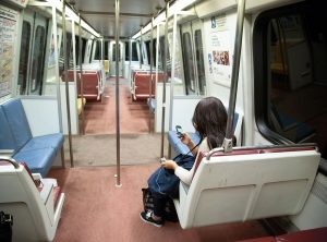 The Person in Front of Me on the Metro Found Out Someone Close to Her Died