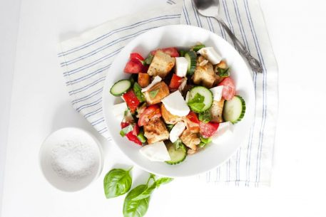 Healthy Recipe: Easy, Light Summer Panzanella Salad