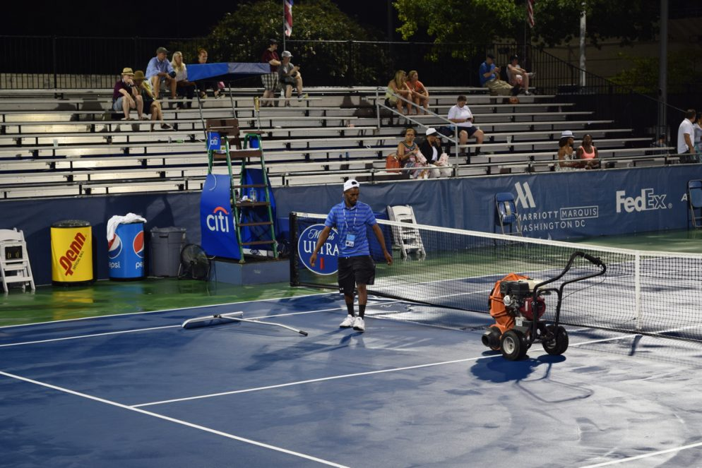 A Guy on the Citi Open's Grounds Crew Practices With the World's Best Tennis Players