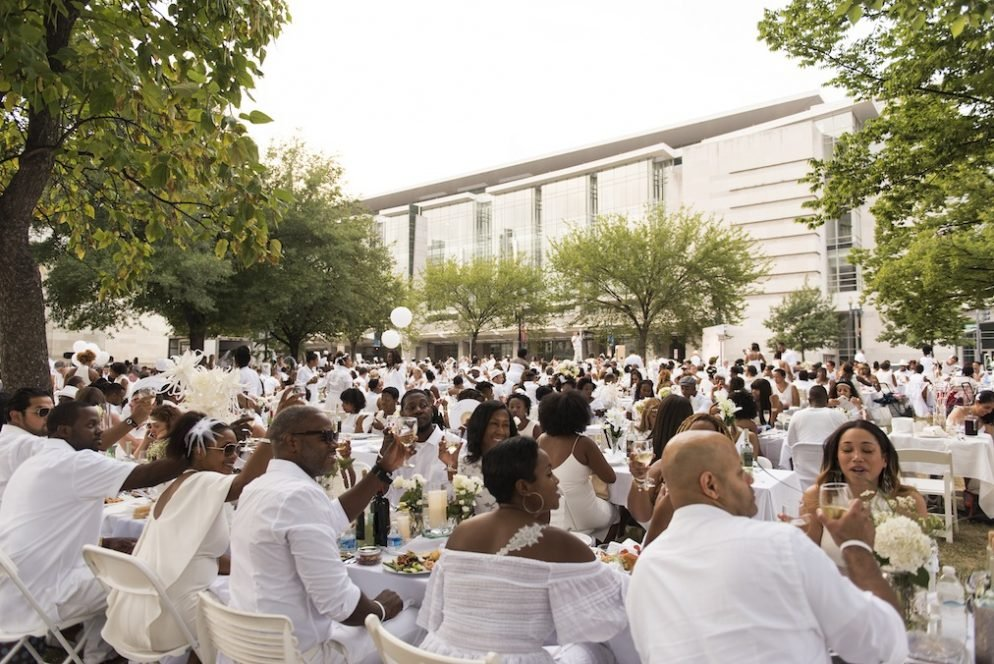 Photos: From Live Fish Centerpieces to Handmade Headpieces, These are Diner en Blanc DC's Most Dedicated Attendees
