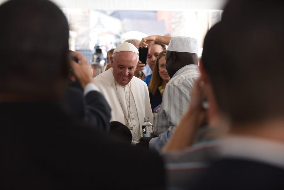Photos: Pope Francis Serves Lunch to Needy Families in DC
