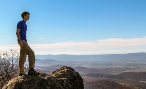 Itinerary: How to Spend a Fall Day In Shenandoah National Park