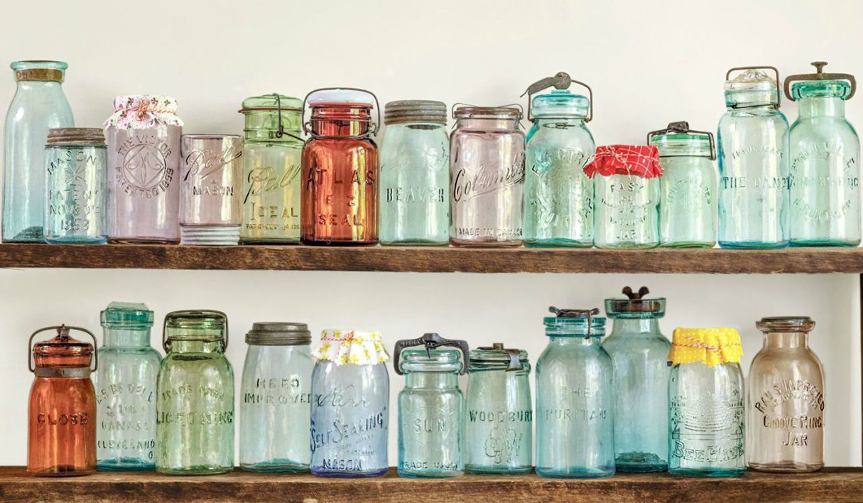 8 Ways to Decorate Mason Jars For a Beautiful, Light-Filled Window ...