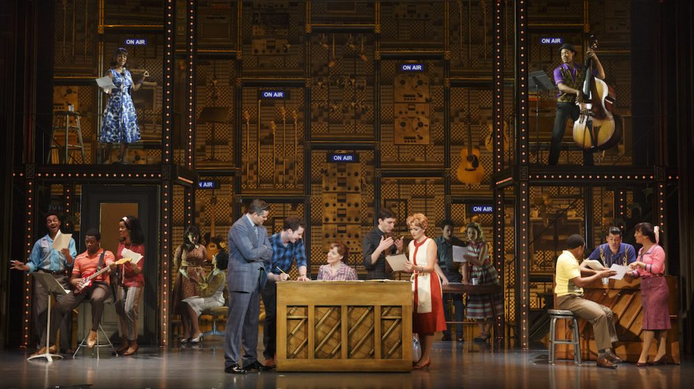 <em>Beautiful: The Carole King Musical</em> Has Great Music and Dynamite Voices