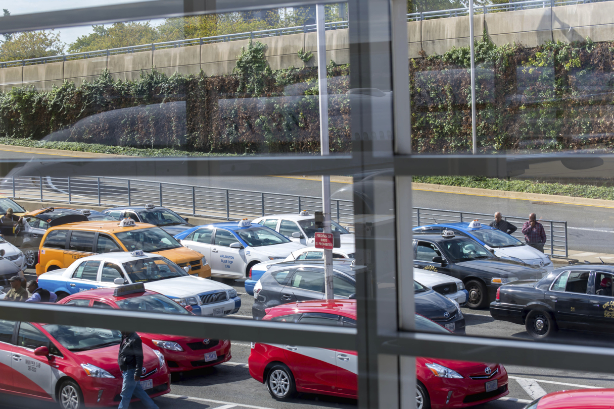 Oakland Airport Parking Options & Rates. Long-Term OAK Parking. There are four options for long-term parking at Oakland Airport: the Premier, Hourly, Daily, and Economy parking lots. Premier parking is located right next to the terminals, but is the most expensive. Economy parking is located further away from the airport, but only charges $16 per day. There are also other off-site long-term.