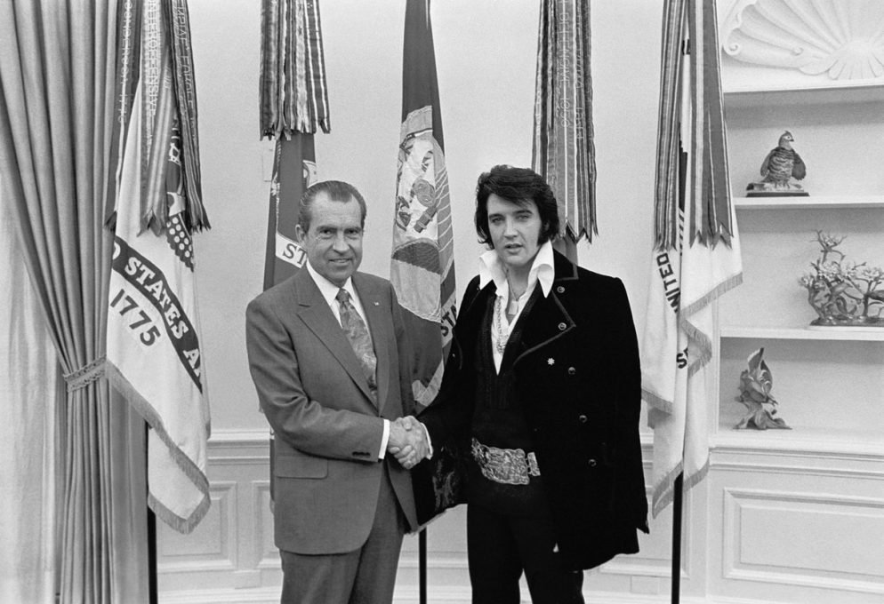The Story Behind the Photo of Elvis Presley and Richard Nixon