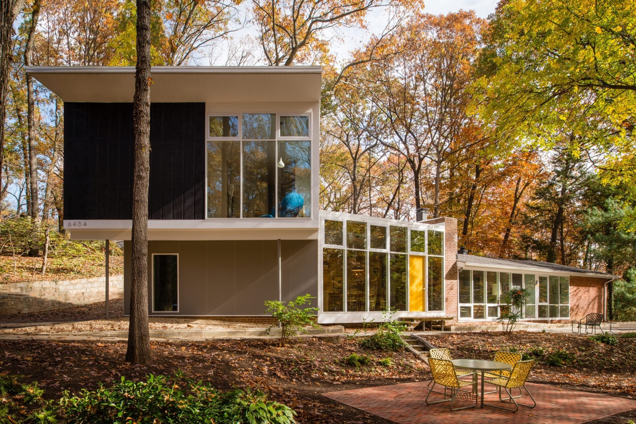 Before and After: This Midcentury Modern Masterpiece Underwent a Shocking Transformation