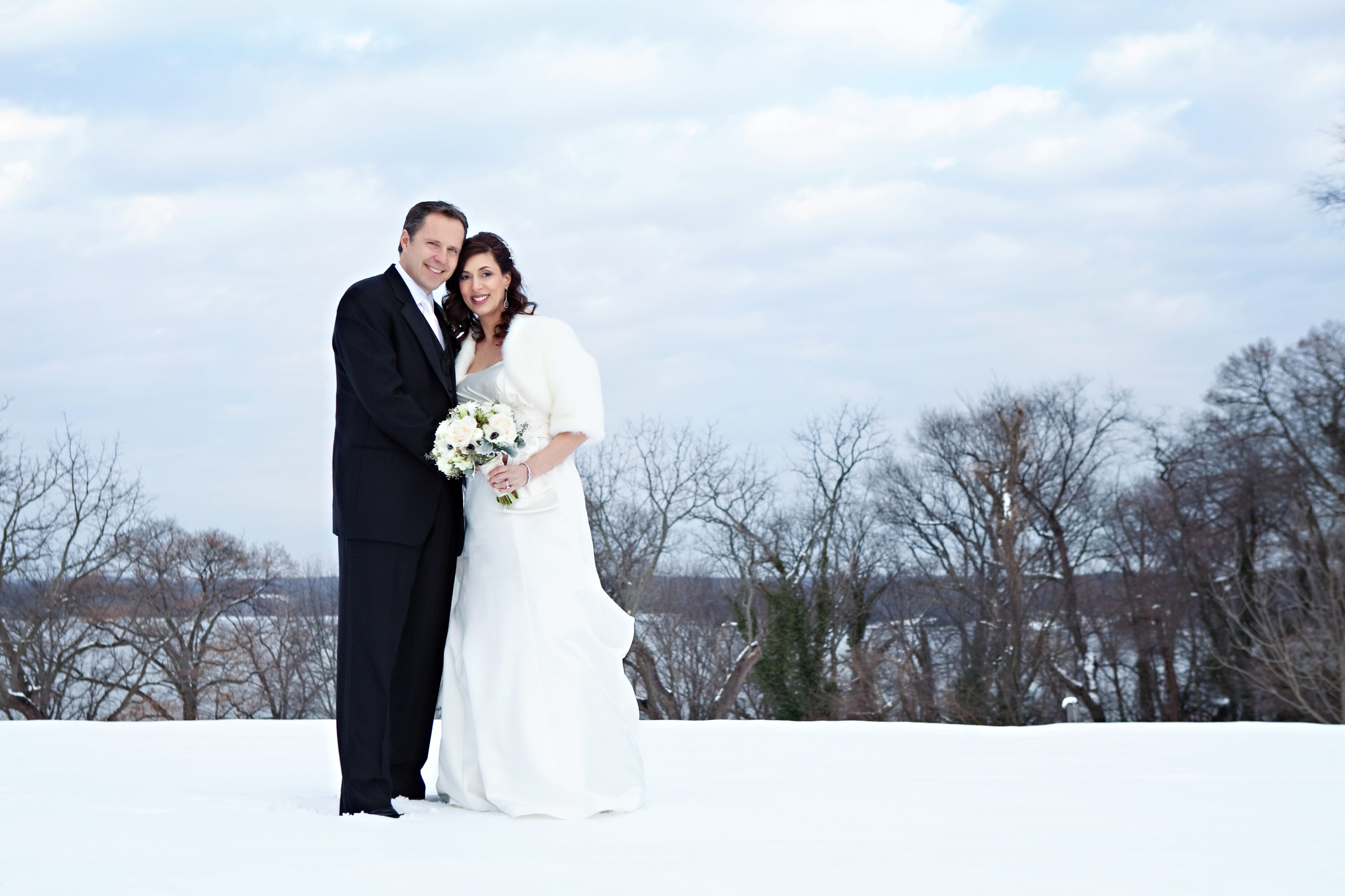 18 reasons we love winter weddings and you should too 1 21 15 reasons we love winter weddings junglespirit Images