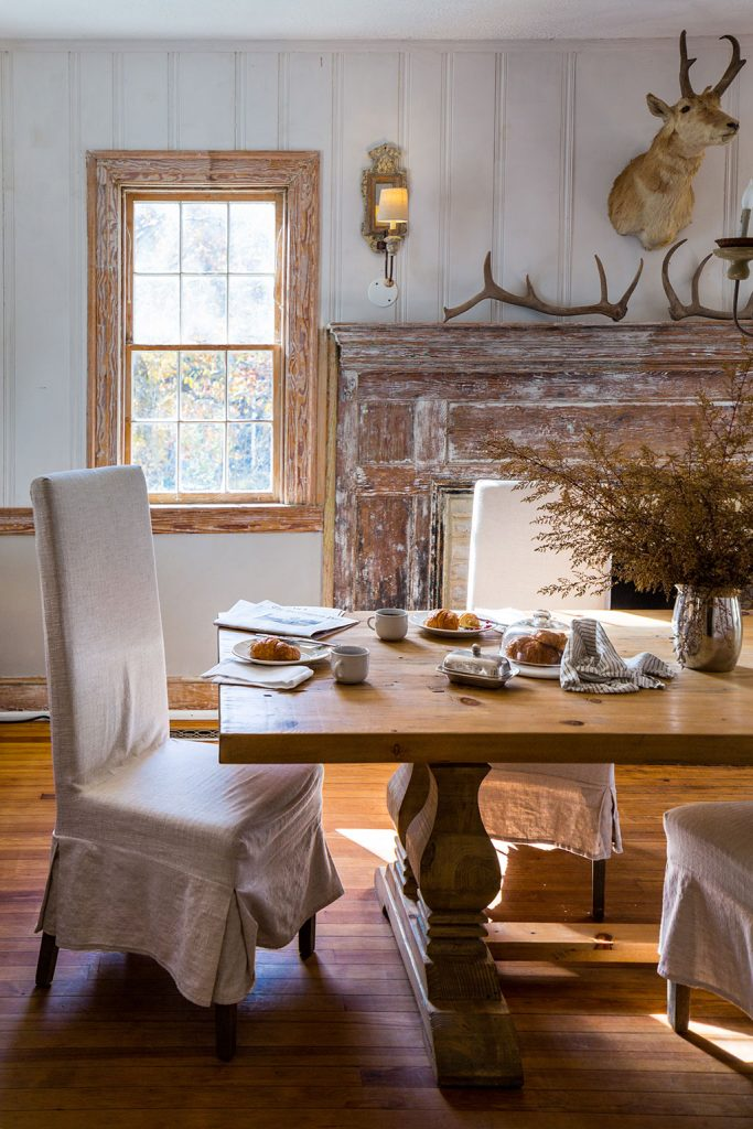 The owner of the Old Lucketts Store, a vintage-furniture haven, transformed an 18th-century Shenandoah manor into a cozy country retreat. Photograph by Dan Chung.