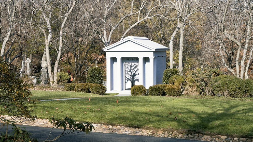 The Battle Over Ben Bradlee's Mausoleum Isn't Finished