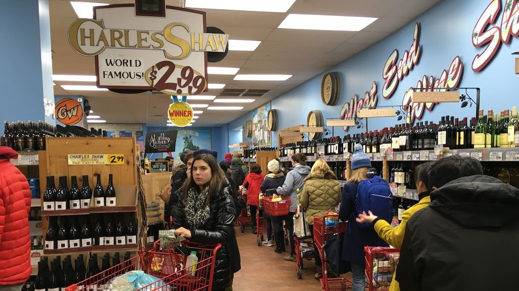 This is What a DC Trader Joe's Looks Like the Day Before a Winter Storm