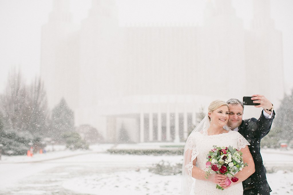 washington dc blizzard wedding selfie