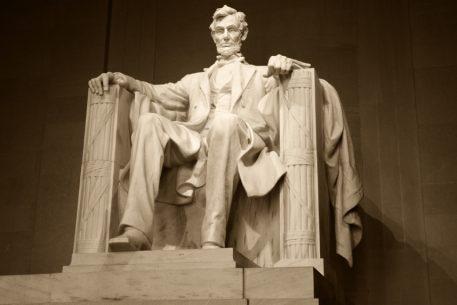 Lincoln Memorial to Undergo Major Renovation Thanks to .5 Million From David Rubenstein