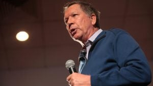 "John Kasich Tells Fairfax Crowd ""Women Left Their Kitchens"" to Support Him"