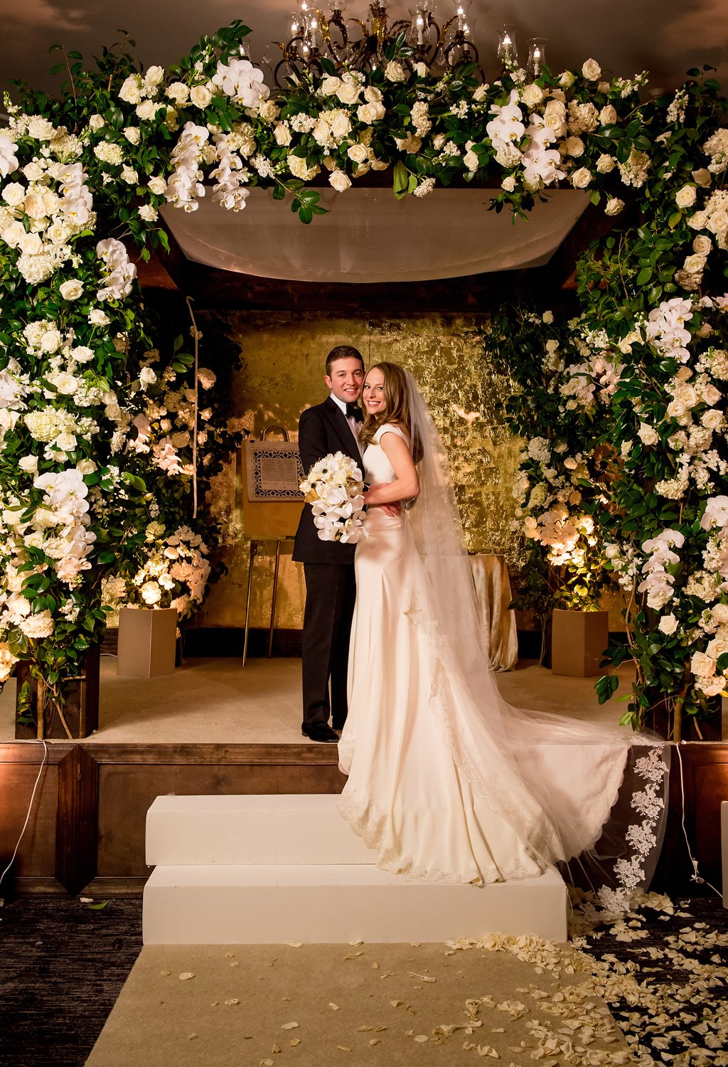 2-19-16-giant-floral-chuppah-ritz-carlton-classic-wedding-7