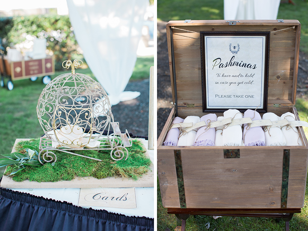 cards-and-pashminas-at-weddings