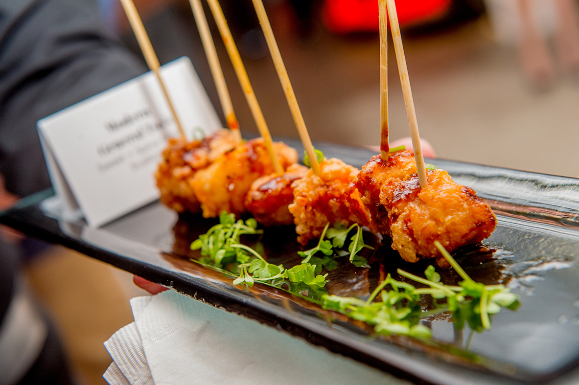Mouth-watering crispy chicken bites by Ridgewells Catering.