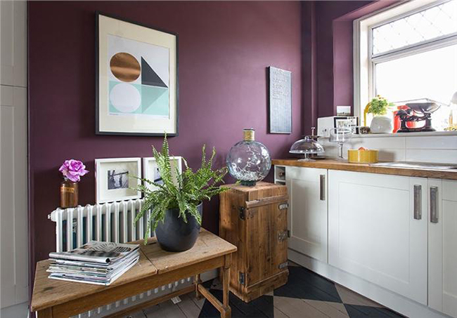 Bedroom paint colors. Photograph via Farrow & Ball.