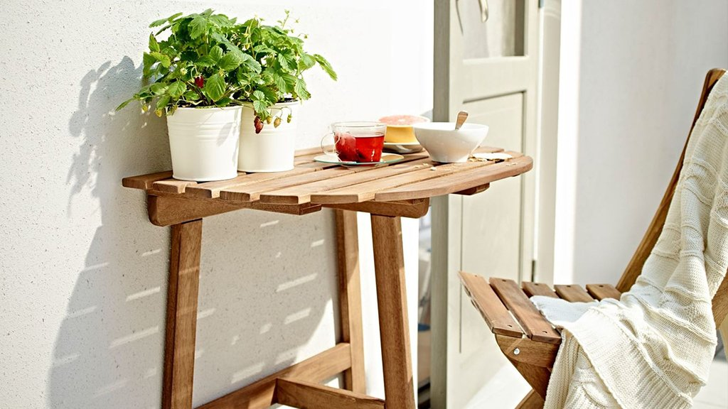 7 Outdoor Bistro Sets For Your Teeny Tiny Balcony, Patio, or Patch of Cement
