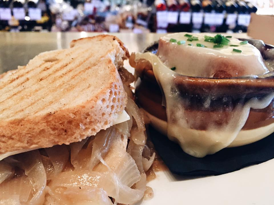 Get your French onion soup fix two ways at Cheesetique: in the bowl and between toasty slices of bread. Photograph via Cheesetique.
