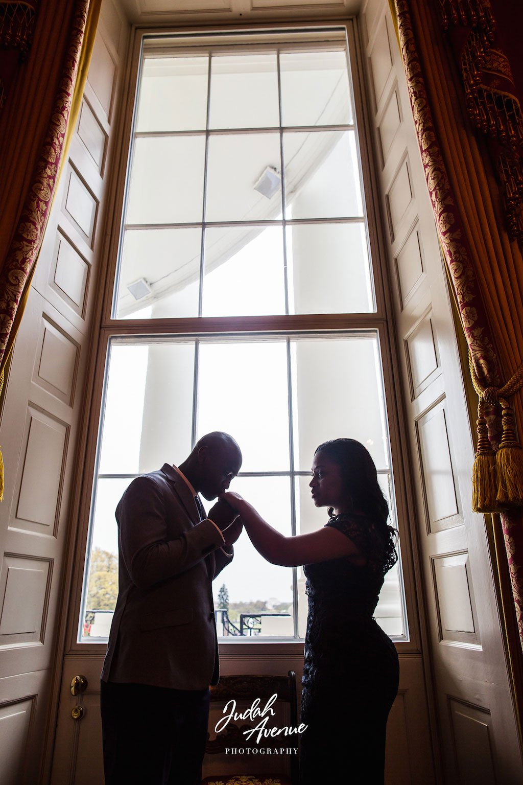 4-12-16-white-house-surprise-proposal-3