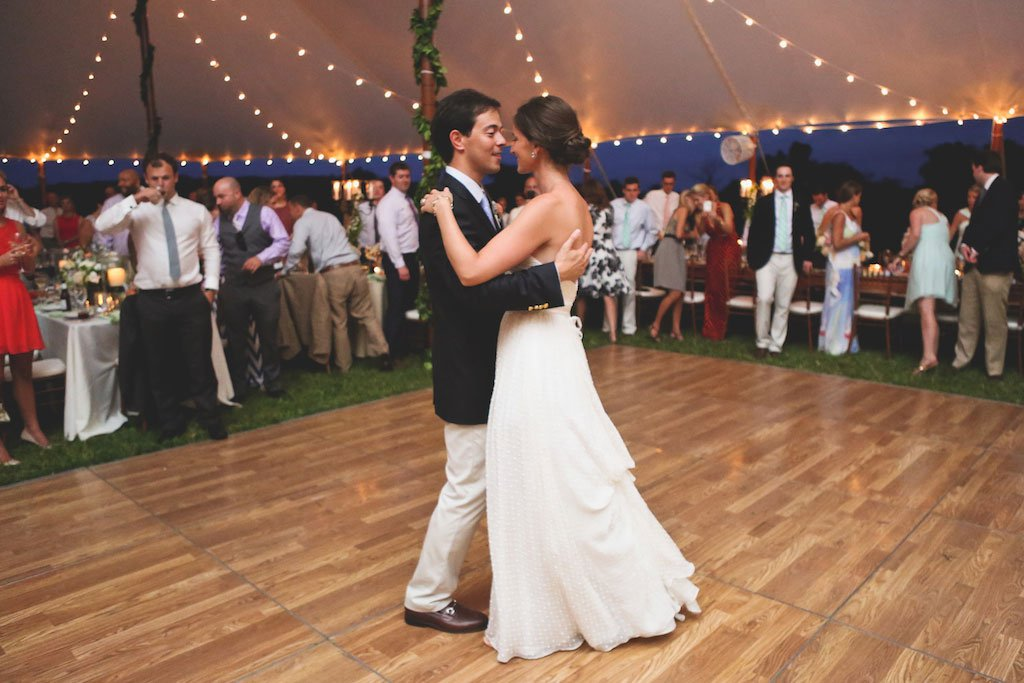 4-20-16-preppy-eastern-shore-tent-wedding-17