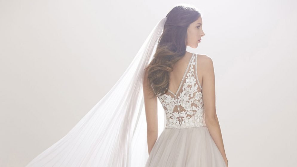 Get A Designer Wedding Dress On The Cheap At This Insane Bridal Sample Sale