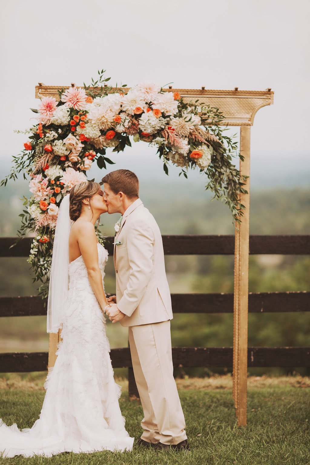 17 Times The Flowers At DC Weddings Totally Knocked Our Socks Off