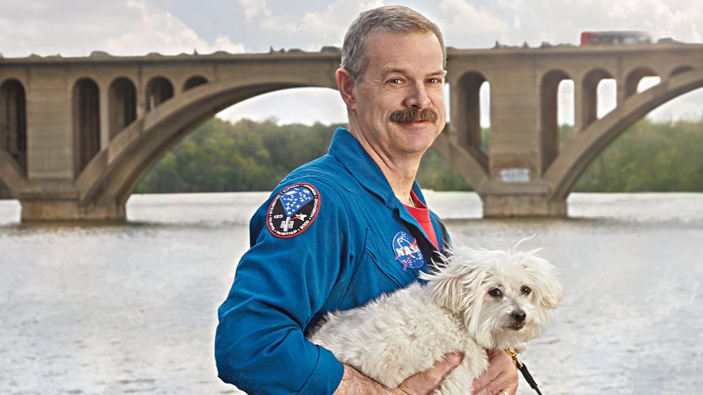 Astronaut Scott Altman shares why he chose Georgetown as his earthbound home base and how NASA prepared him for remodeling in the neighborhood. Photograph by Jeff Elkins.