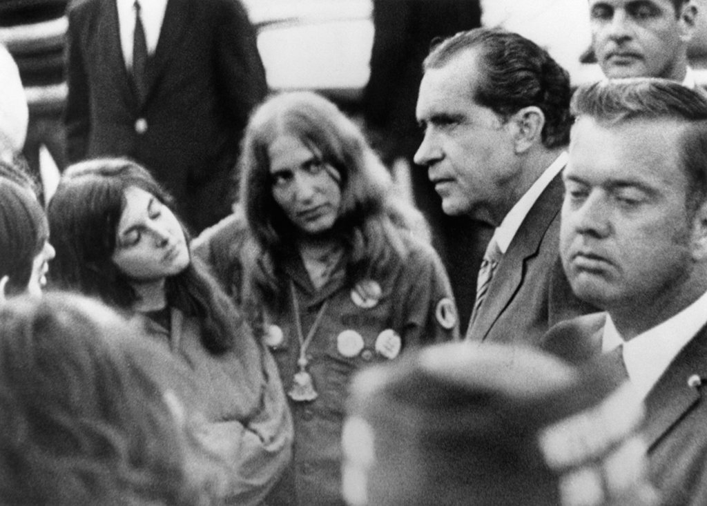 The Night Nixon Hung Out With Hippies at the Lincoln Memorial on george mason memorial, boston massacre memorial, german resistance memorial, empty sky memorial, my lai memorial, ludlow massacre memorial, slavery memorial, uss cole memorial, september 11 2001 memorial, pow mia memorial,