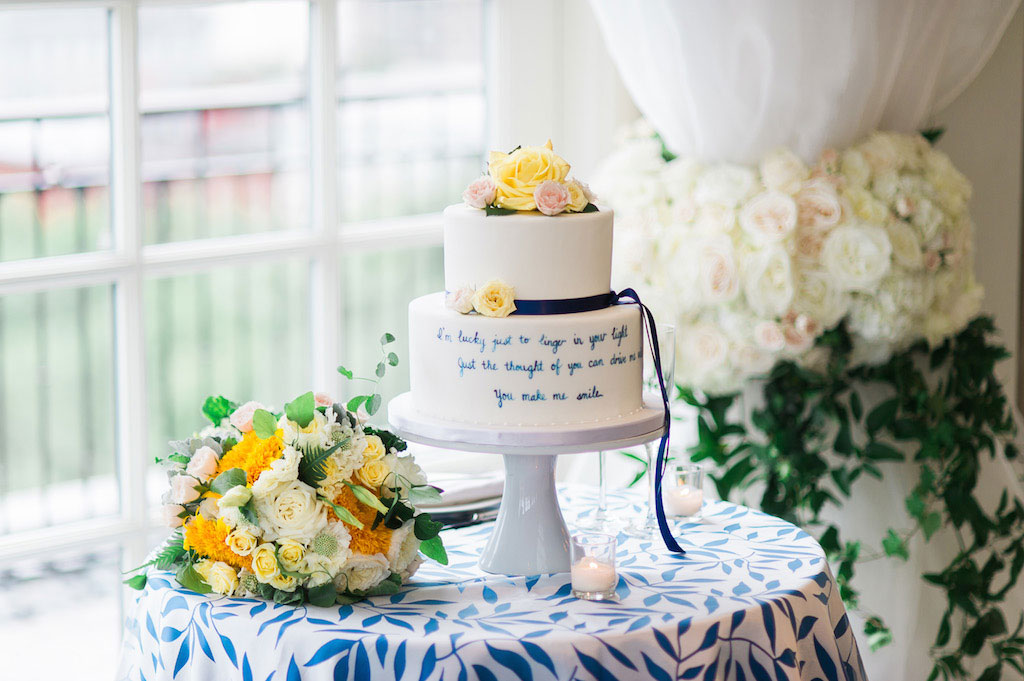 6-29-16-intimiate-hay-adams-top-of-the-hay-blue-yellow-wedding-17
