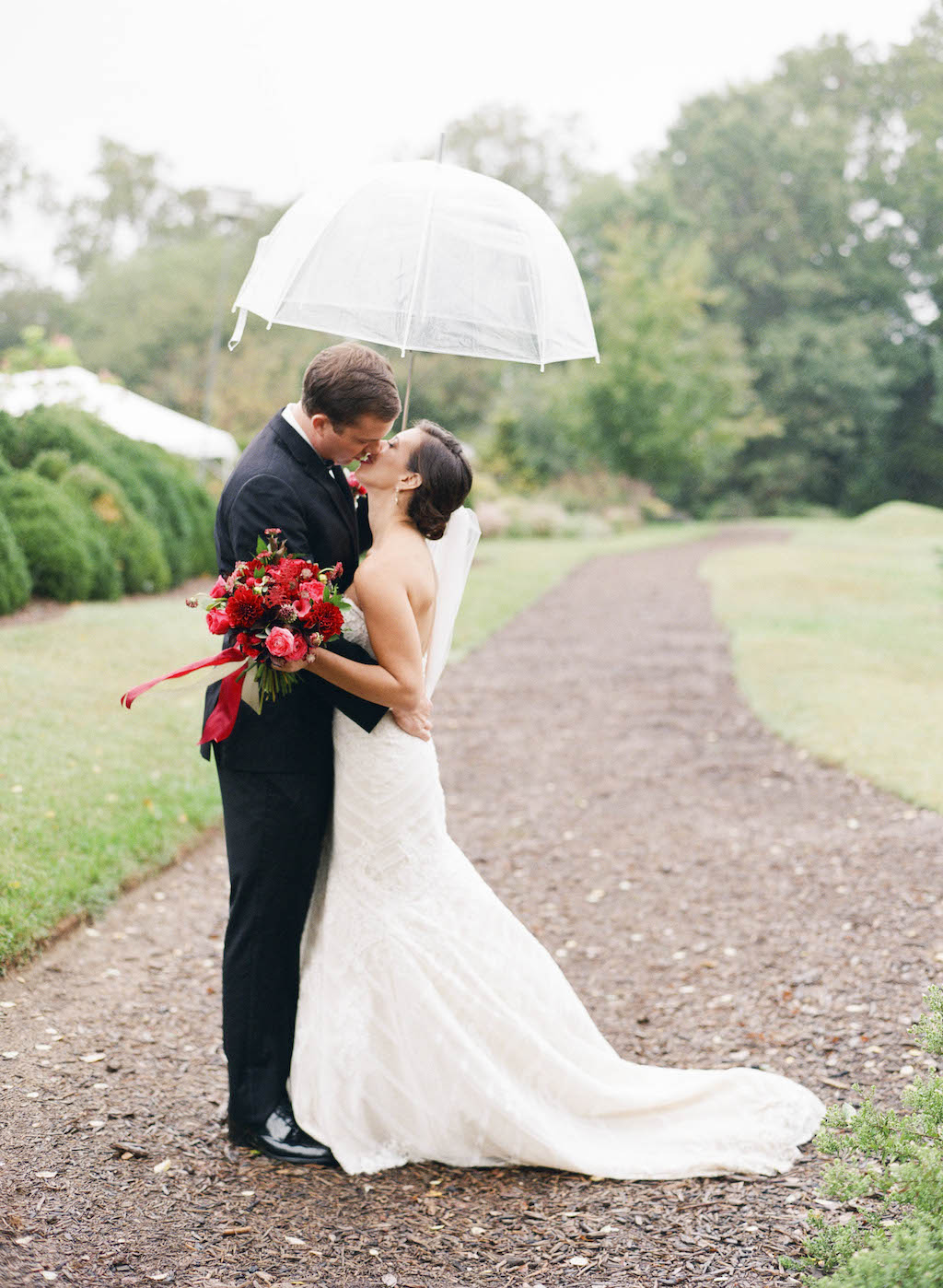 6-30-16-berry-purple-river-farm-rainy-day-wedding-14