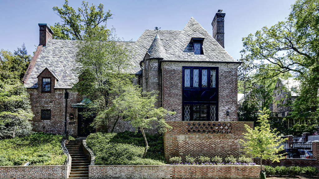 Obama's New Neighborhood: The Obamas will rent a house owned by former Clinton spokesman Joe Lockhart. Photograph by Homevisit.