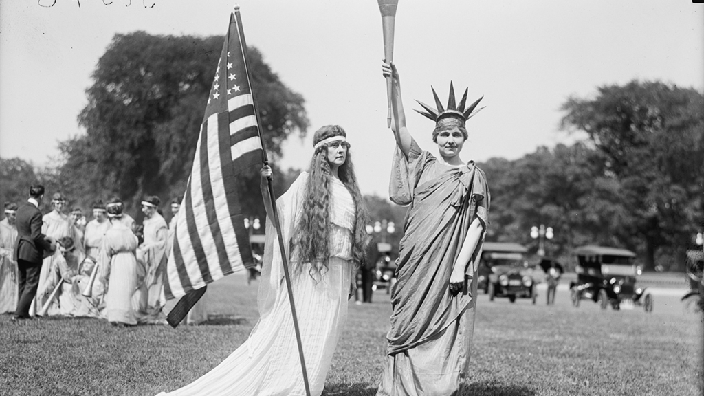 Lady Liberty, Columbia, and dancers. Photograph via Harris & Ewing Collection (Library of Congress).