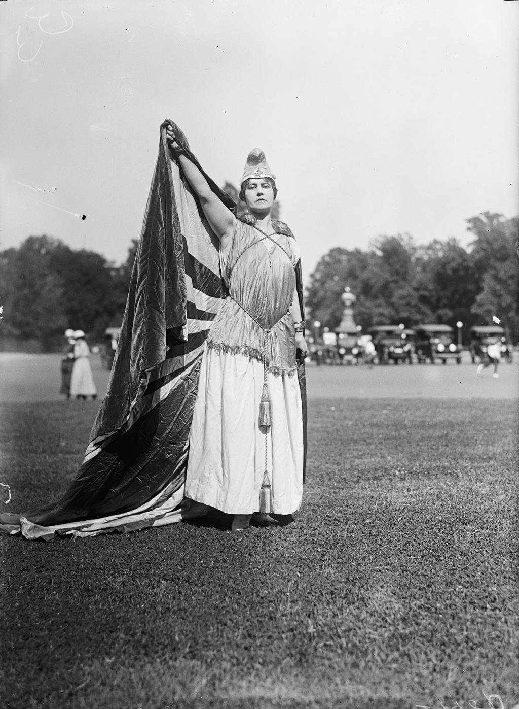 Photograph via Harris & Ewing Collection (Library of Congress).