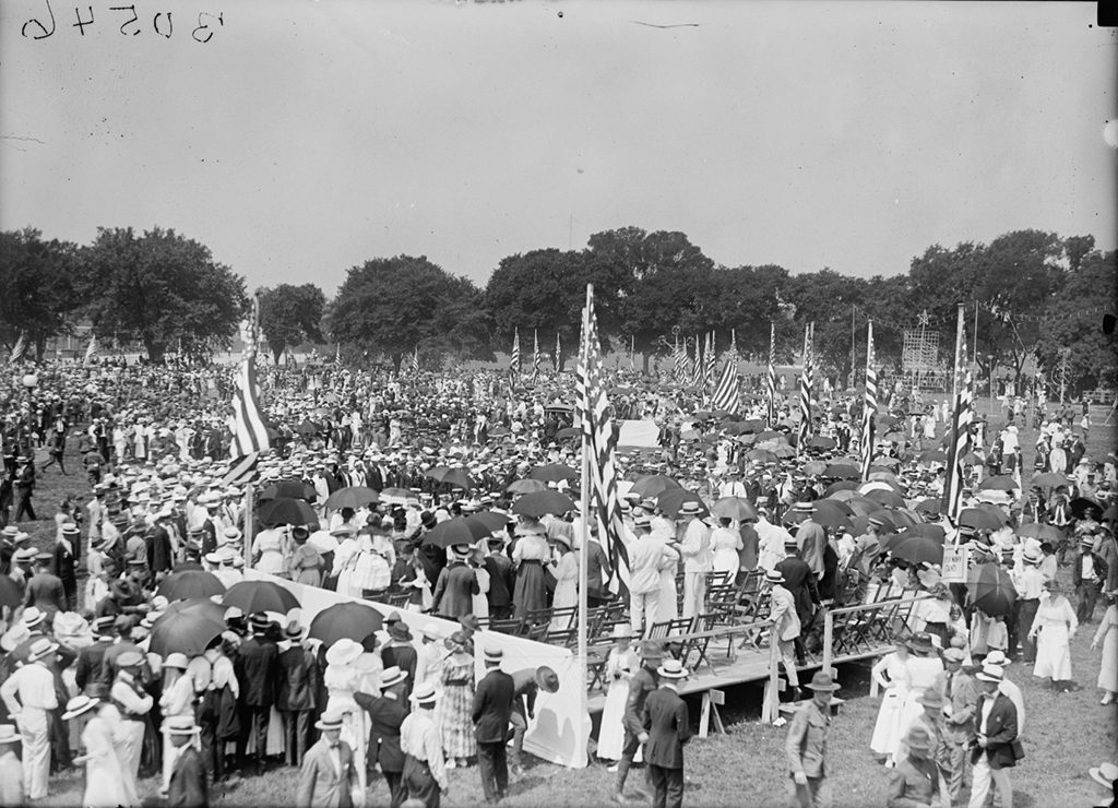 A crowd gathered at the Ellipse for a Fourth of July celebration in 1919. Photograph via Harris & Ewing Collection (Library of Congress).