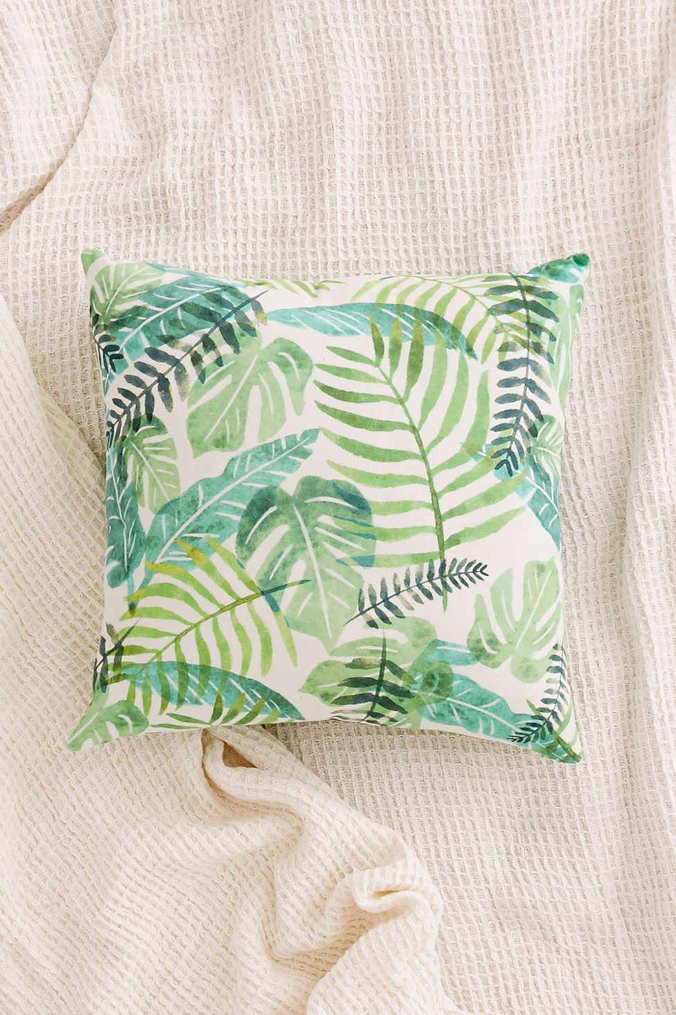 palm-pillow-urn
