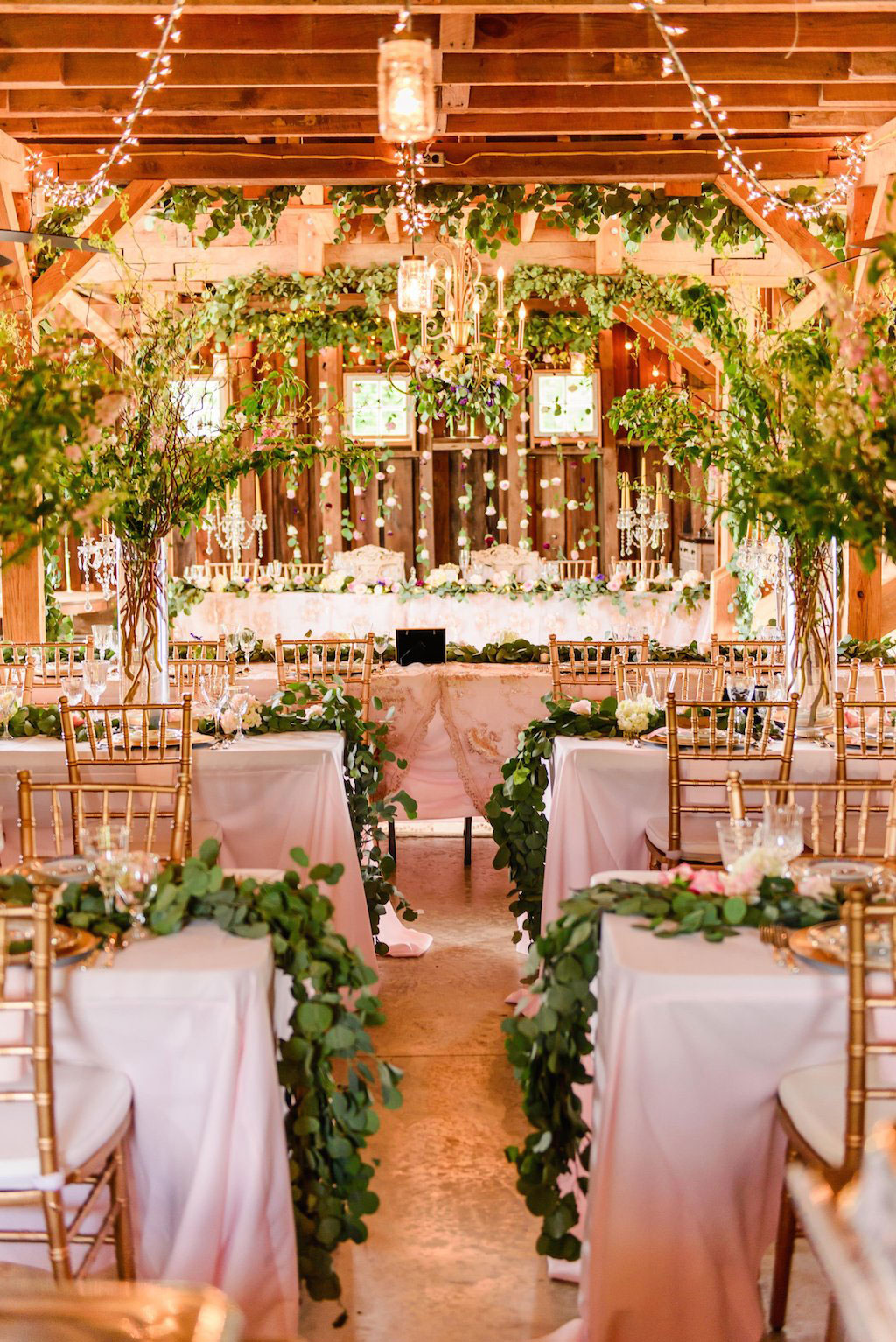 7-11-16-fairy-tale-barn-wedding-pink-blush-18