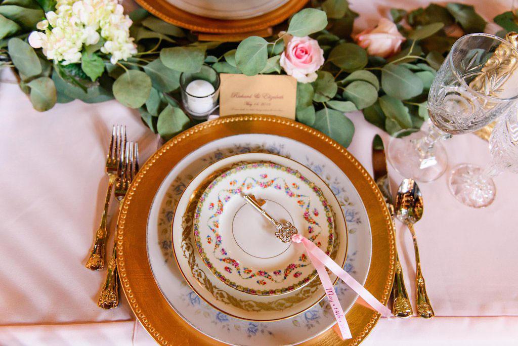 7-11-16-fairy-tale-barn-wedding-pink-blush-19