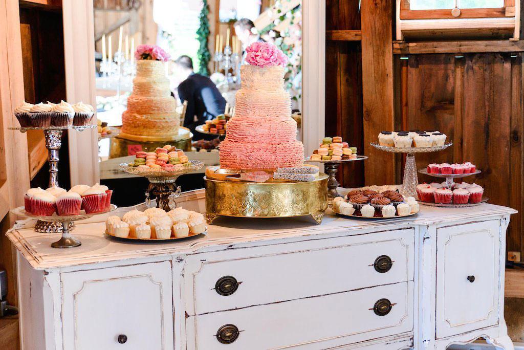 7-11-16-fairy-tale-barn-wedding-pink-blush-21