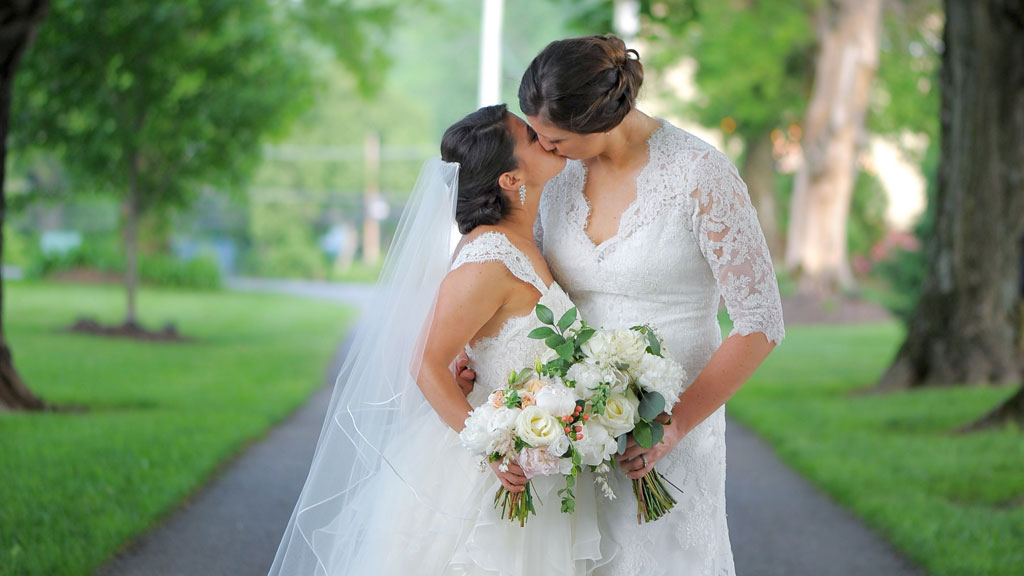 44c1a38e306 Two Brides School Us in Pure Joy at Their Rustic Maryland Wedding