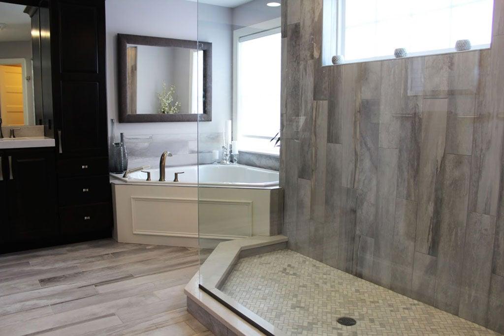 Best Tile Bathroom 7