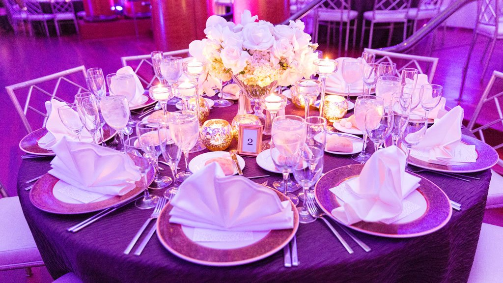 This Georgetown Wedding is a Romantic Wonderland of Candles and White Roses